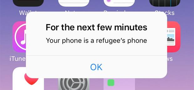 Al telèfon d'un refugiat